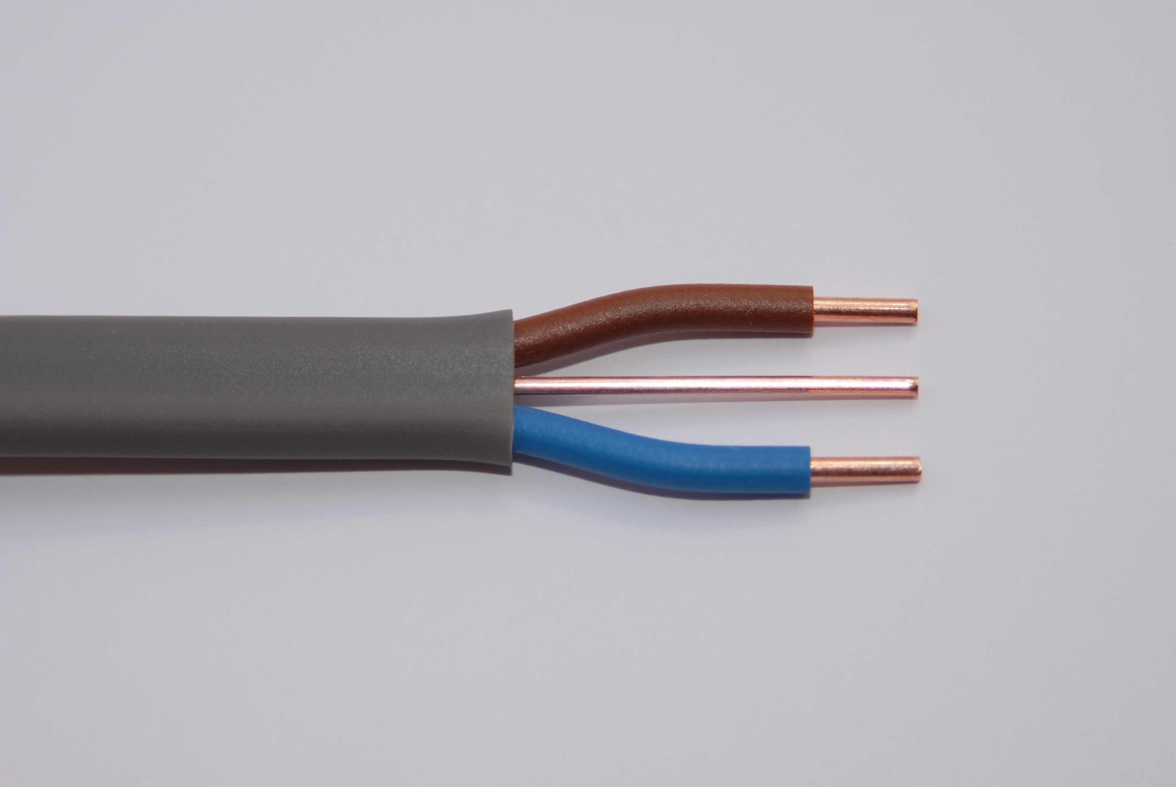 PVC vs XLPE for insulating cable: What's the difference?